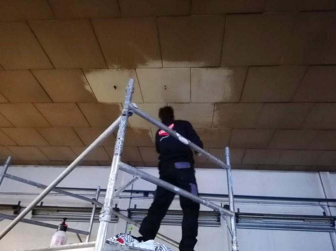 čištění stropu
