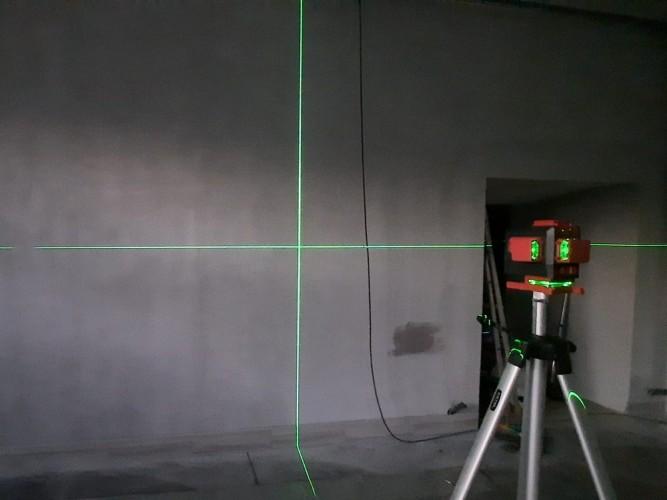 měření soklu laserem