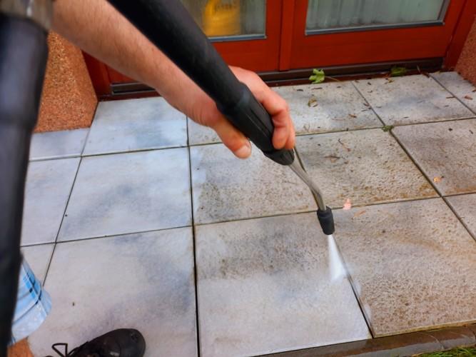 vysokotlaké čištění betonové dlažby